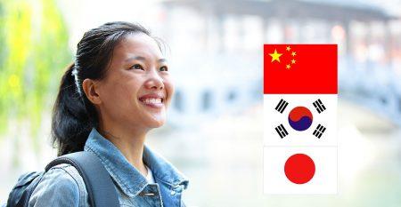 woman tourist avec 3 drapeaux2